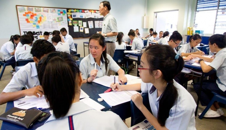 Business High School In China Are Developing Well