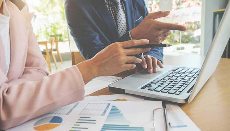 3 Reasons Your Small Business Should Hire an Accountant